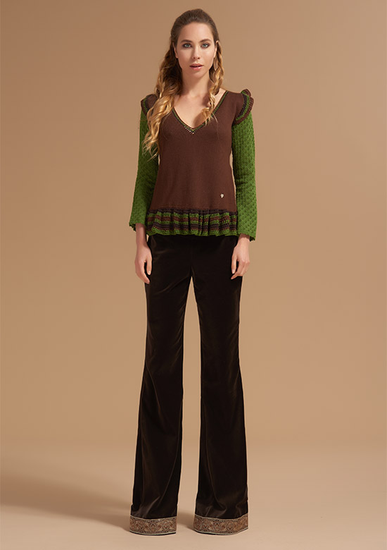 cod 253 Ruffles V neck Knit on wool Brown & Forest Green