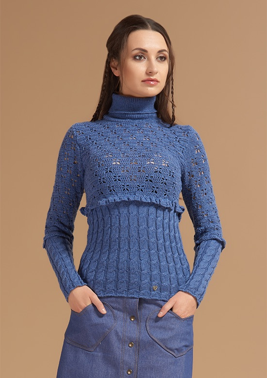 cod 255 Wool turtleneck sweater with ruffle and butterflies Blue