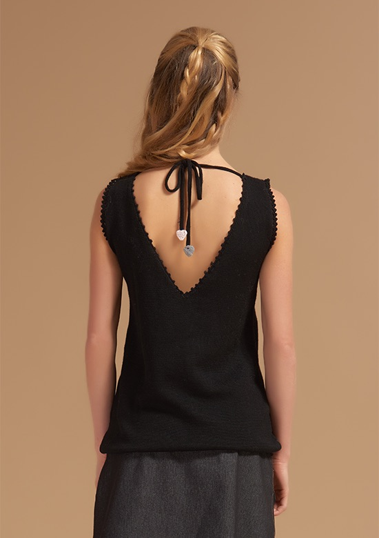 cod 264 Butterfly Knit vest on wool with pompoms hearts black – back