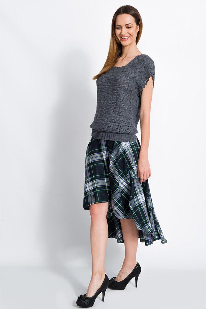 maglia mezze maniche grigia in merino lavorazione pizzo made in italy e gonna scozzese in pura lana