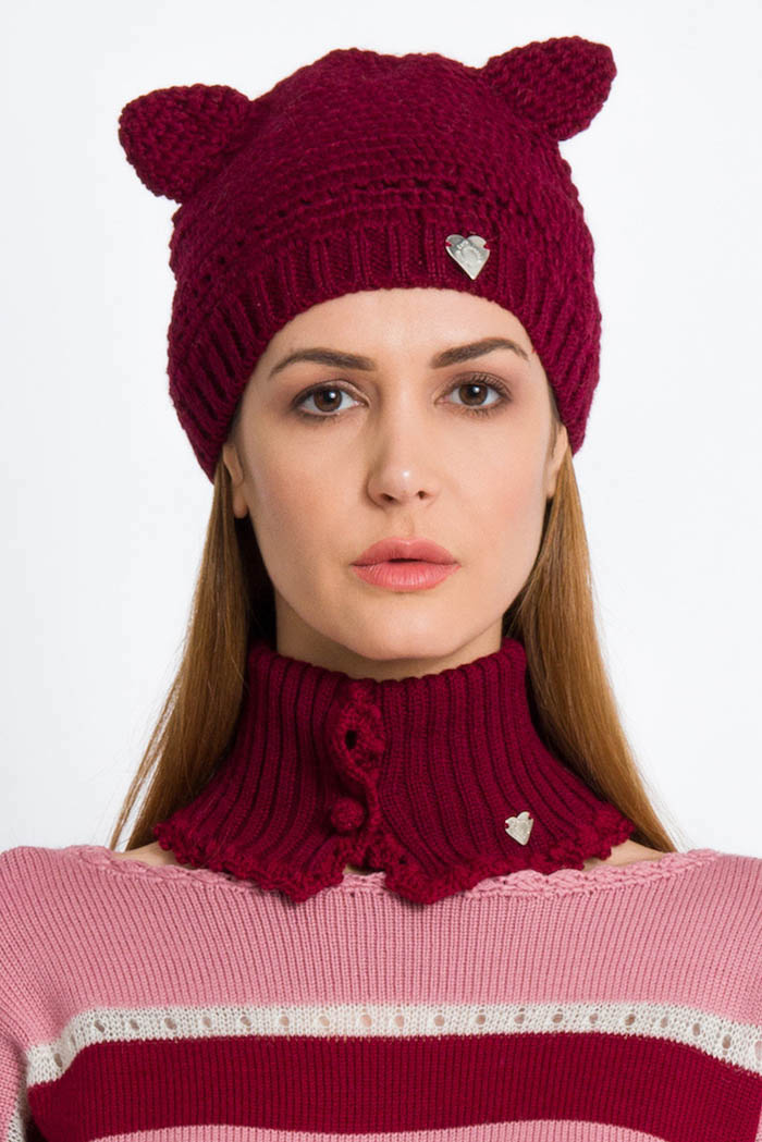 burgundy handmade cat hat with neck warmer